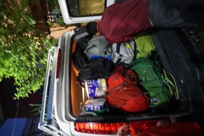 Unser Gepäck, Klopapier und medizinische Ausrüstung für Banjhakateri